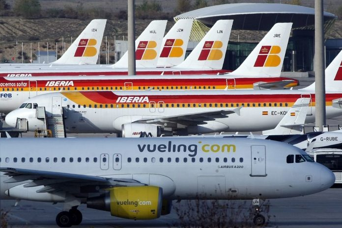 Iberia and Vueling sign agreements for one billion euro of loans backed by the Spanish government