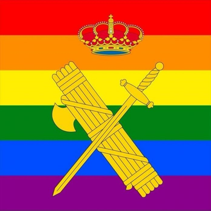 Christian Lawyers denounce the Civil Guard for displaying the LGTBI flag