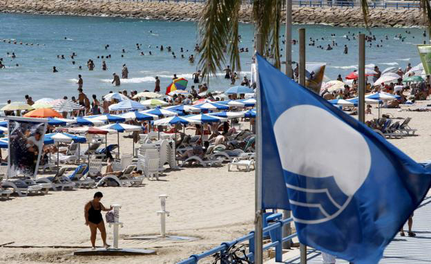 Spain beats its record of blue flags.