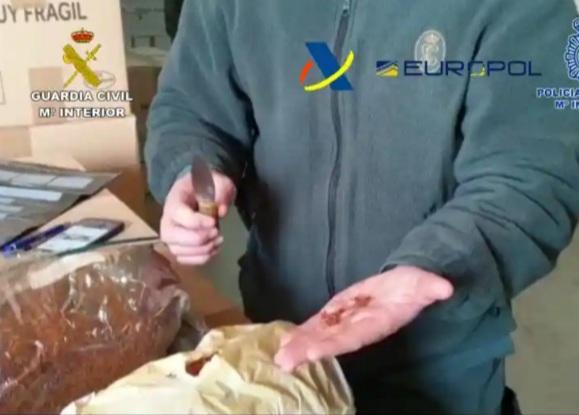 Saffron gang pass off Iranian spice as Spanish
